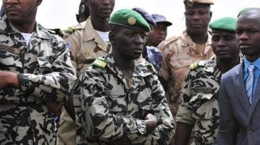 ٱمادو ٱيا سانوغو: قائد الانقلاب على توماني توري.