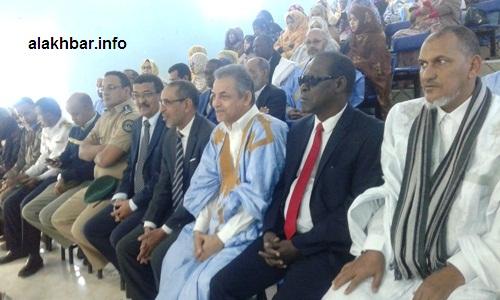 جانب من حضور حفل انطلاقة الحملة من منتخبين وسلطات إدارية وقادة أمنيين في الولاية/ الأخبار