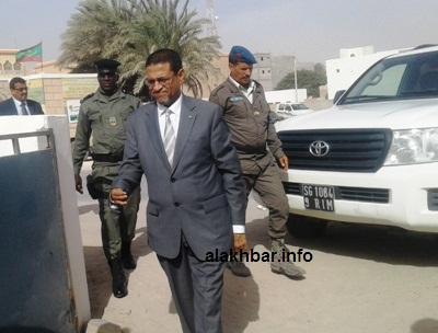 وزير الصحة لحظة وصوله إلى الإدارة الجهوية للصحة صباح اليوم/ الأخبار