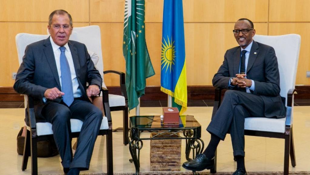 الرئيس الروندي بول كاغامي ووزير الخارجية الروسي سيرغي لافروف.