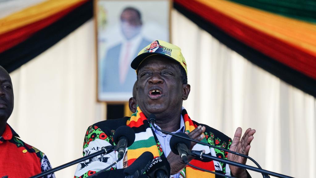 الرئيس الزيمبابوي إميرسون منانغاغوا.
