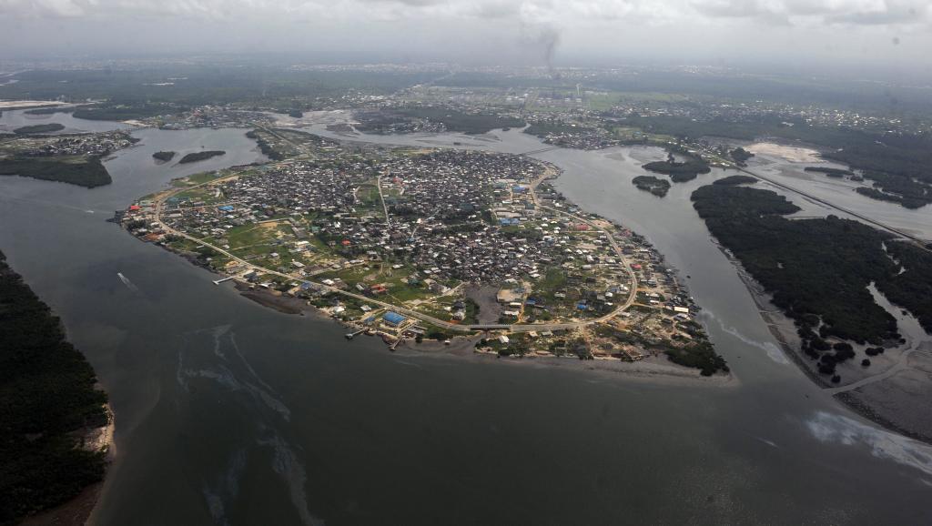 المختطفون البريطانيون كانوا قد اختطفوا بأكبر مدن نيجيريا، وهي دلتا، المطلة على دلتا النيجر.