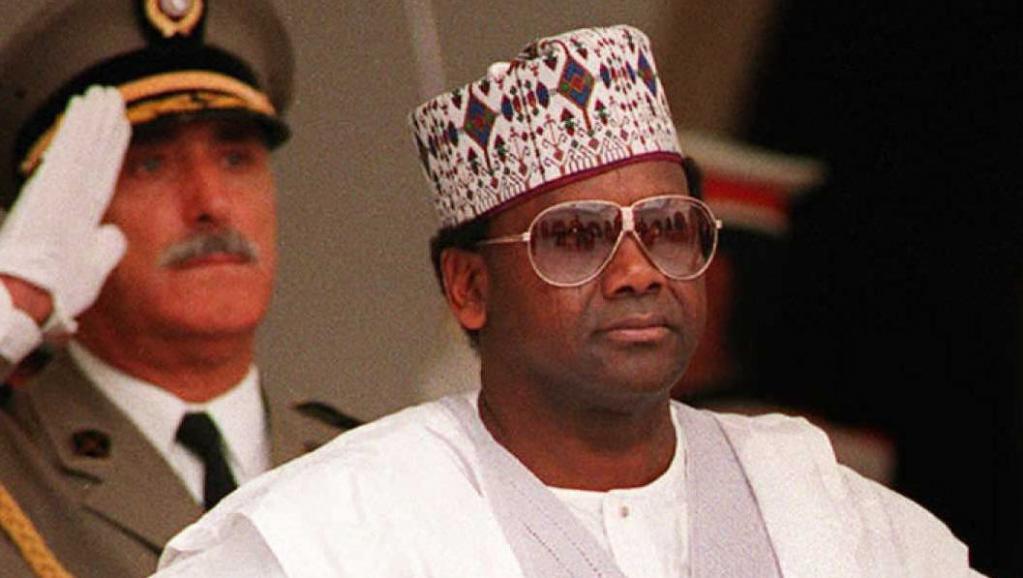 ساني ٱباتشي الرئيس النيجيري الأسبق.
