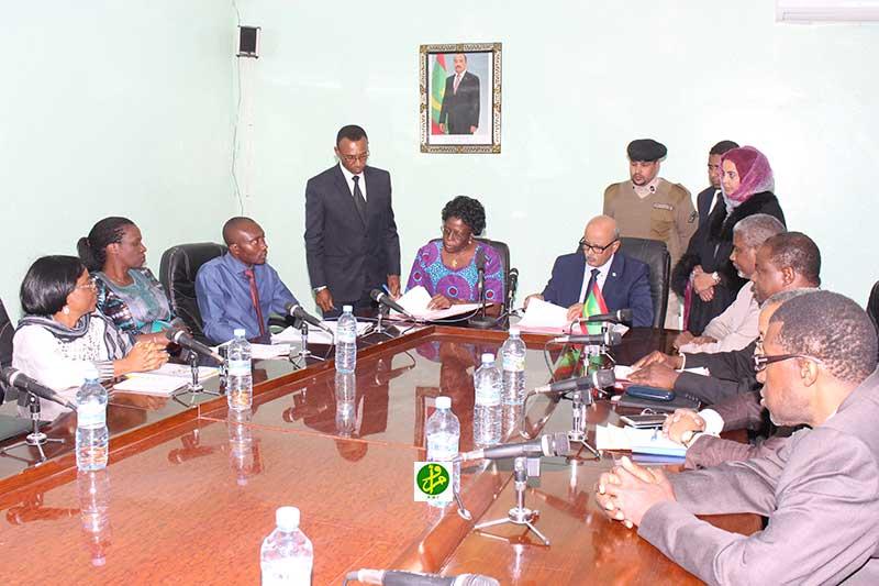 حفل توقيع ابروتوكل اتفاق بين موريتانيا واللجنة الإفريقية لحقوق الإنسان والشعوب مساء الخميس بنواكشوط (وما)