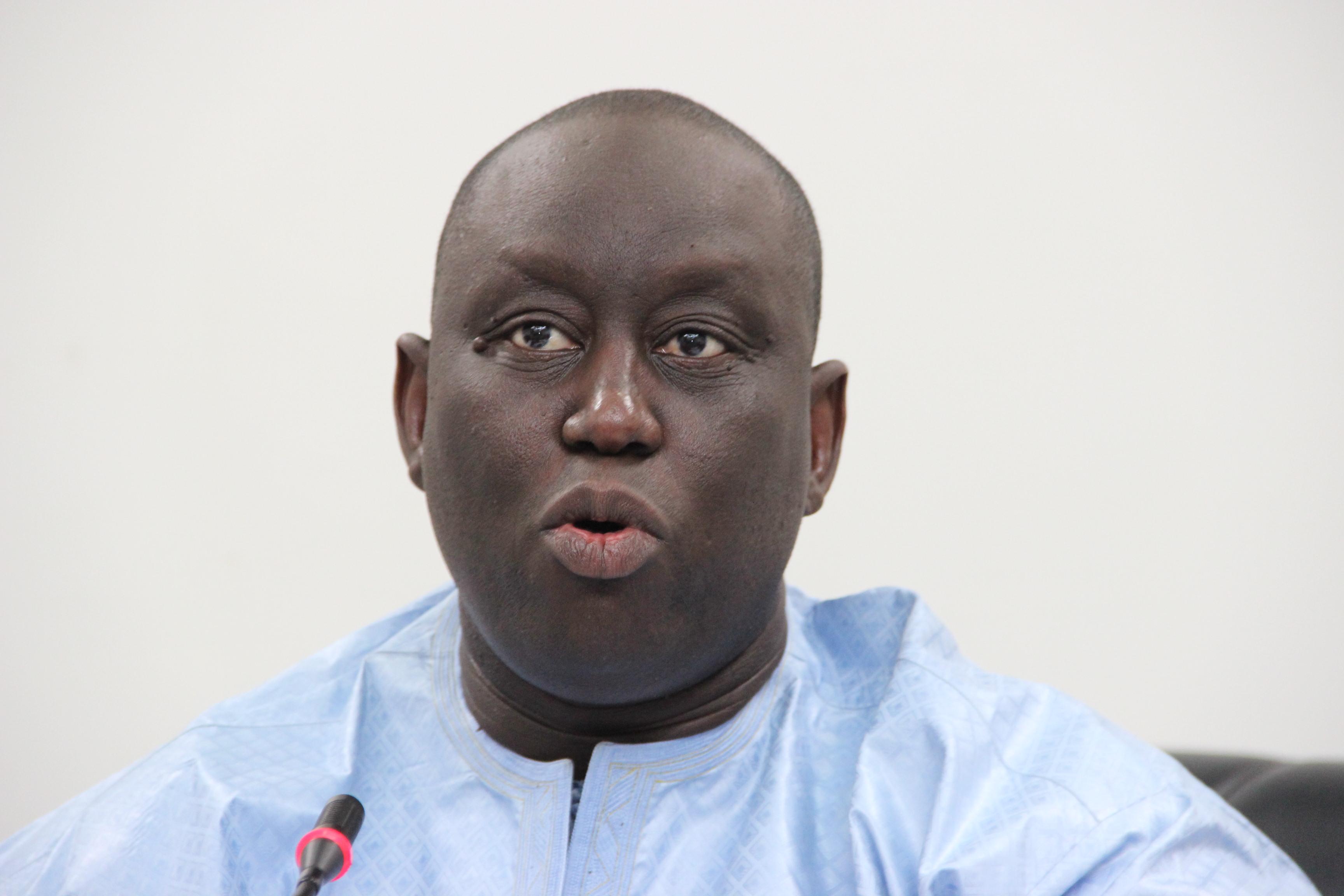 آليو صال: شقيق الرئيس السنغالي ماكي صال.
