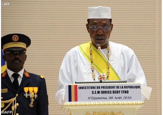 الرئيس اتشادي إدريس ديبي خلال تنصيبه 2016 لمأمورية رئاسية خامسة.