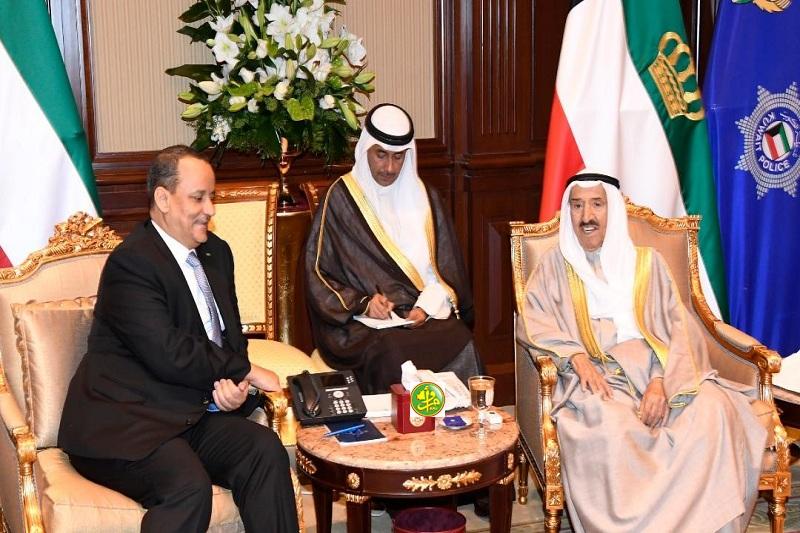 أمير الكويت خلال استقباله لوزير الخارجية الموريتاني (وما)