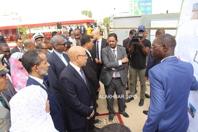 رئيس الجمهورية يضع حجر الأساس لعدد من المنشآت الحيوية في نواكشوط