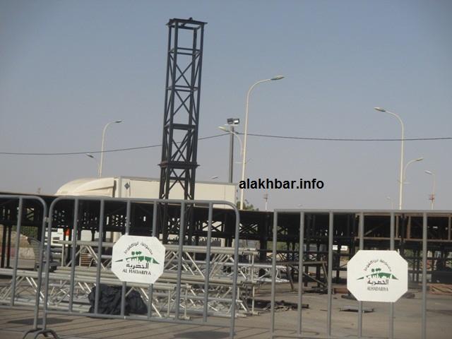 العمل جار لإعداد المنصة الرسمية لمهرجان الرئيس ولد عبد العزيز مساء أمس (الأخبار)