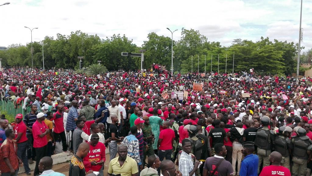 المعارضة المالية خلال مظاهرات سابقة مناهضة للتعديل الدستوري.