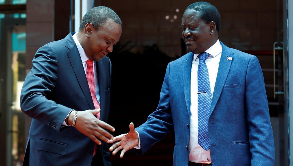 الرئيس الكيني أوهورو كينياتا وزعيم المعارضة رايلا أودينغا.