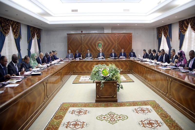 مجلس الوزراء خلال اجتماعه اليوم في القصر الرئاسي (وما)