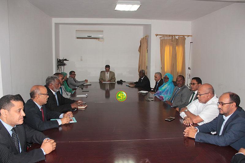 رئيس الهابا خلال اجتماعه مع مديري المؤسسات العمومية (وما)