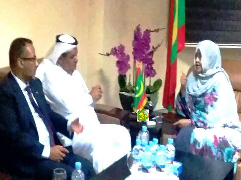 وزيرة التنمية الريفية في موريتانيا الأمينة بنت القطب ولد امم خلال لقائها مع الوفد السعودي (وما)