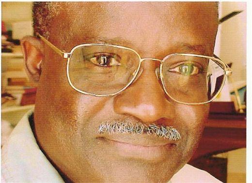 حبيب تيام: الوزير الأول السنغالي الأسبق.