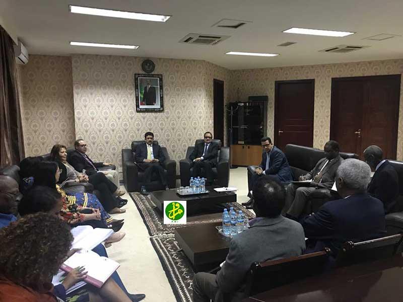 البعثة الإفريقية خلال اجتماع سابق لها بمقر وزارة الخارجية الموريتانية (وما)