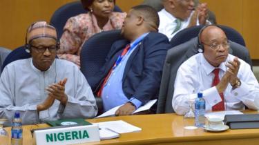 الرئيسان الجنوب إفريقي جاكوب زوما، والنيجيري محمدو بخاري