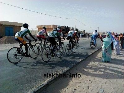 جانب من سباق الدراجات الهوائية في مدينة نواذيبو / تصوير الأخبار
