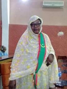 البرلمانية لالة بنت امبارك نائب مقاطعة ألاك