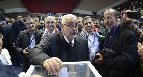 الأمين العام للحزب المنتهية ولايته عبد الإله بن كيران خلال تصويته