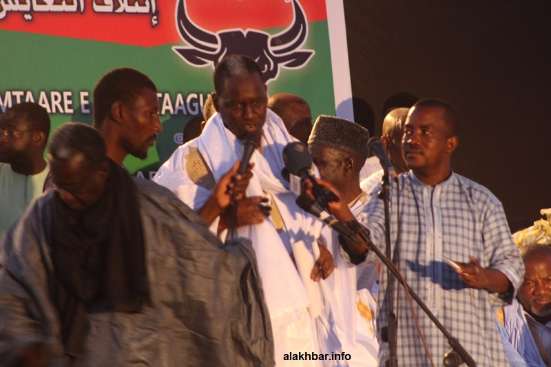 المرشح الرئاسي كان حاميدو بابا خلال حفل إعلان ترشحه (الأخبار)