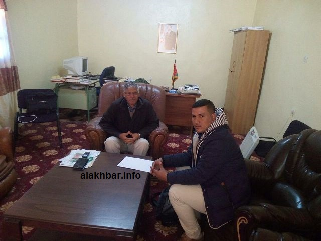 الوزير الأول الصحراوي عبد القادر الطالب عمر خلال حديثه للأخبار