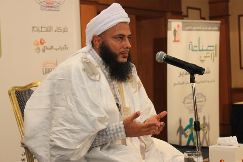 العلامة الشيخ محمد الحسن الددو رئيس مركز تكوين العلماء في موريتانيا