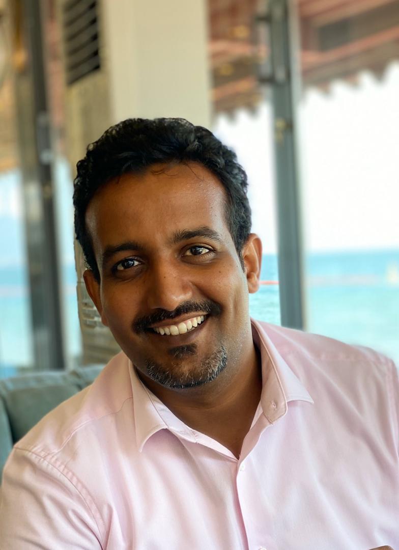 الكاتب والصحفي الموريتاني أحمد ولد إسلم