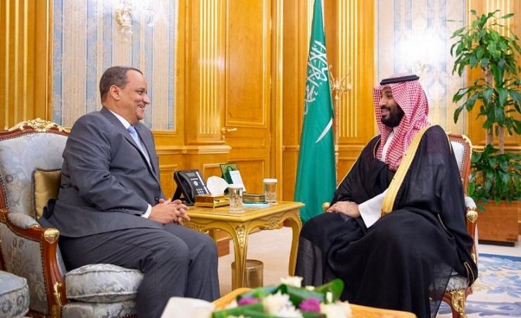 ولي العهد السعودي محمد بن سلمان مع وزير الخارجية الموريتاني إسماعيل ولد الشيخ أحمد
