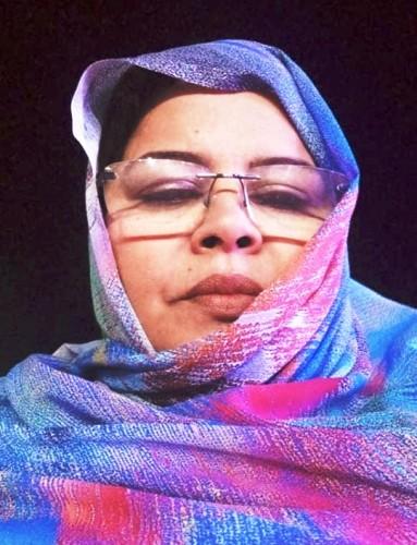 مديرة الشؤون الإجتماعية المستقيلة خديجة أحمد شل /الأخبار