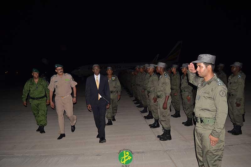 وحدة الدرك المغادرة إلى إفريقيا الوسطى خلال توديعها في مطار نواكشوط البارحة (وما)
