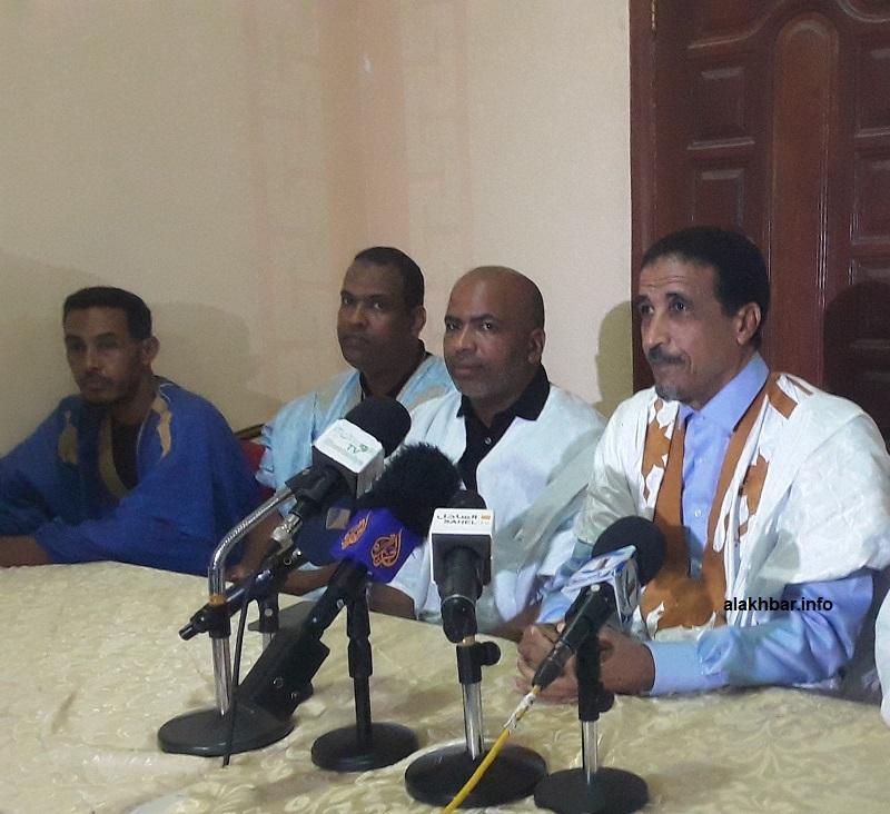 المرشح الرئاسي محمد ولد مولود خلال مؤتمر صحفي مساء اليوم (الأخبار)