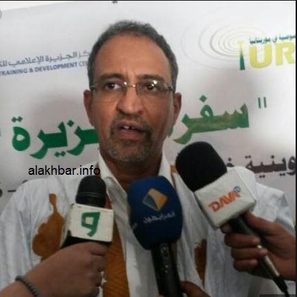 الإعلامي الموريتاني محمذن بابا ولد أشفغ