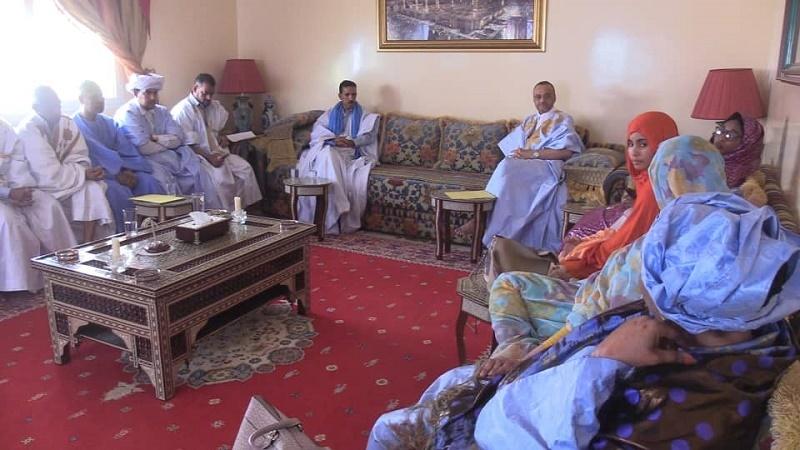 أعضاء الكتلة الشبابية خلال لقائهم مع المرشح للرئاسيات سيدي محمد ولد ببكر