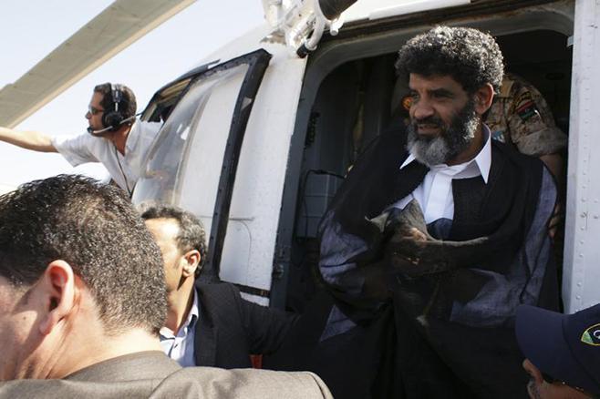 السنوسي لحظة وصوله طرابلس قادما من نواكشوط