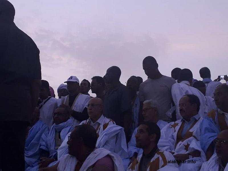المرشح الرئاسي محمد ولد الغزواني على منصة المهرجان الانتخابي المناصر له في مدينة العيون