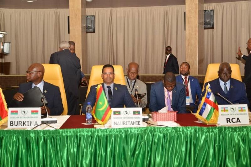الوزير الأمين العام للرئاسية الشيخ محمد ولد الشيخ سيديا مثل موريتانيا في القمة المنعقدة في اتشاد