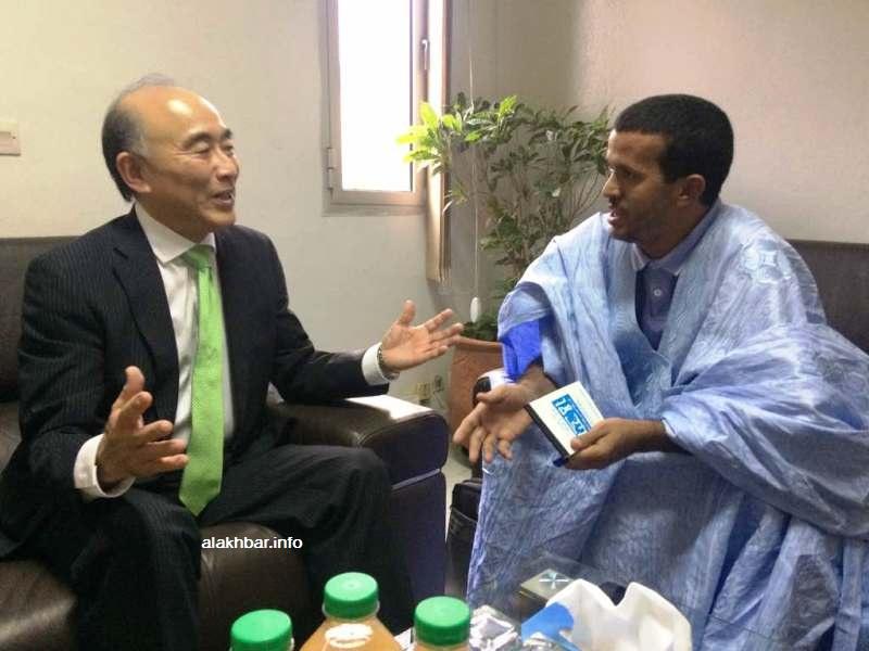 نائب المدير العام لصندوق النقد الدولي ميتسوهيرو فوروساوا خلال حديثه للأخبار