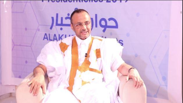 المرشح الرئاسي سيدي محمد ولد بو بكر خلال مشاركته في برنامج حوار الأخبار