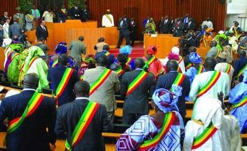 نواب في البرلمان السنغالي الـ13 خلال أول جلسة له الخميس