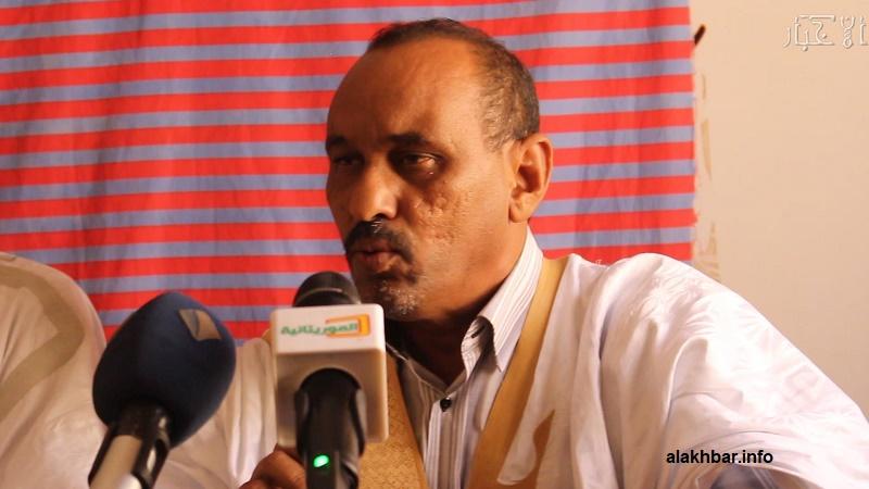 رئيس حزب الصواب الدكتور عبد السلام ولد حرمه خلال مؤتمر صحفي سابق (الأخبار)