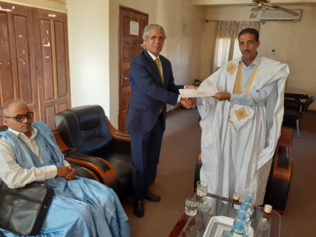 رئيس حزب اتحاد قوى التقدم محمد ولد مولود يتسلم الدعوة من وزير الخارجية الصحراوي
