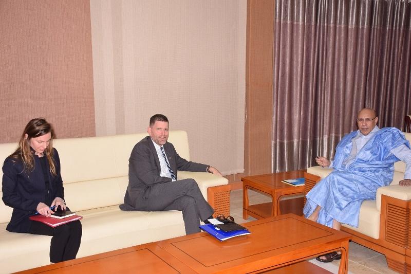 المرشح ولد الغزواني خلال لقائه مع السفير الأمريكي في موريتانيا مايكل دودمان
