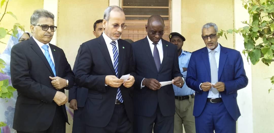 وزيرا التعليم الأساسي والثانوي خلال جولتهما في مراكز المسابقة يوم 27 أكتوبر المنصرم