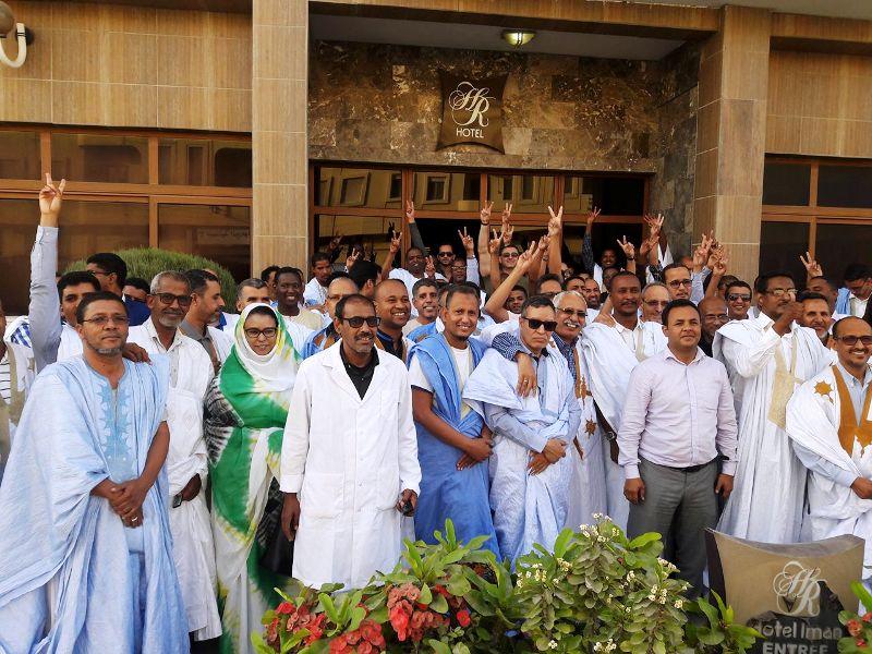 الأطباء في صورة جماعية بعيد جمعيتهم العامة يوم 20 مايو المنصرم
