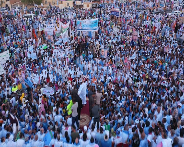 حضور مهرجان ولد الغزواني مساء الأربعاء في مدينة العيون شرقي موريتانيا