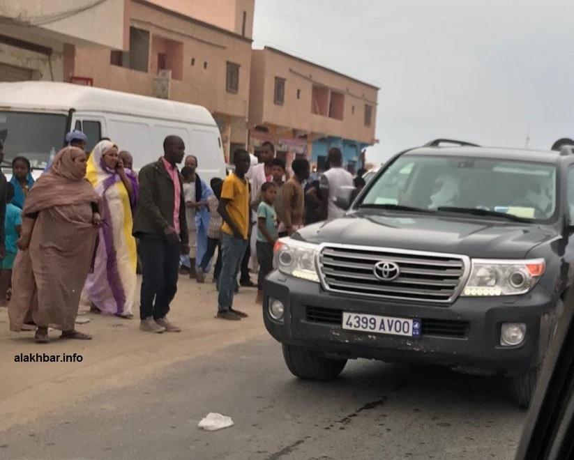 الرئيس ولد عبد العزيز وصل مكان الحادث وهو يقود سيارته بنفسه (الأخبار)