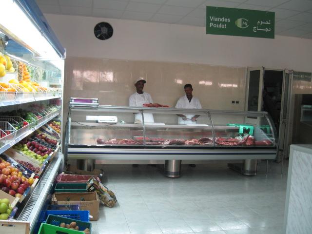 القائمون على فرع من أجل موريتانيا في نواكشوط خلال تسليم إفادة لأحدى المتسفيدات من التكوين