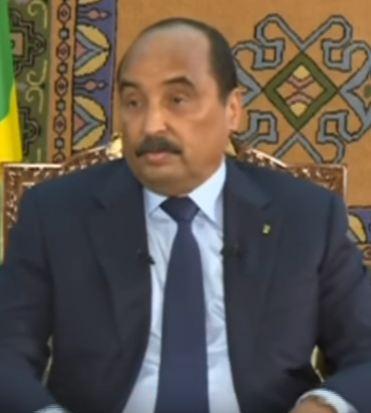 الرئيس الموريتاني محمد ولد عبد العزيز خلال المؤتمر الصحفي الذي عقده الليلة
