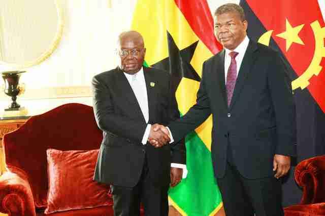 الرئيسان الأنغولي جواو لورنشو والغاني نانا أكوفو أدو
